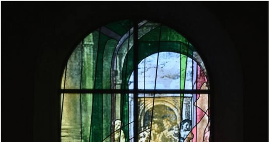 Une évocation de l'Eucharistie avec la scène des noces de Cana (baie 116)