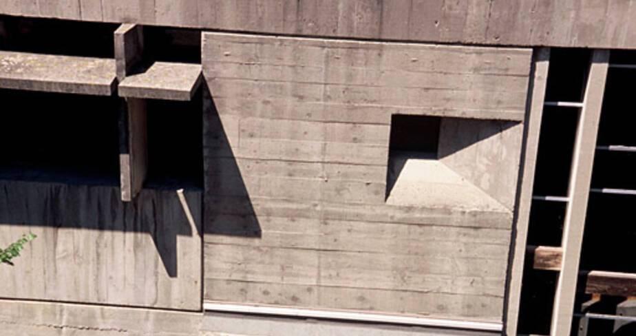Lycée agricole François Pétrarque - Avignon, façade sur patio des services généraux, détail