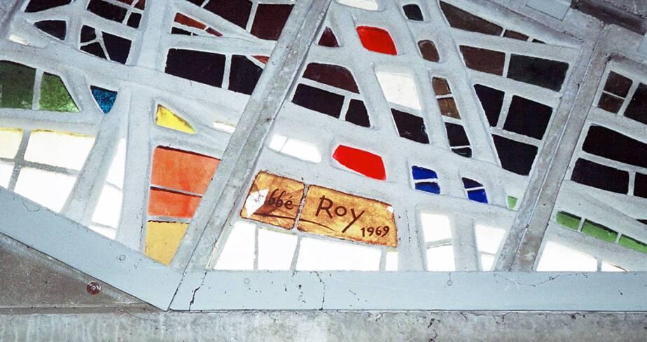 Saint-Joseph Travailleur - Avignon, détail des vitraux réalisés et signés par l'abbé Roy