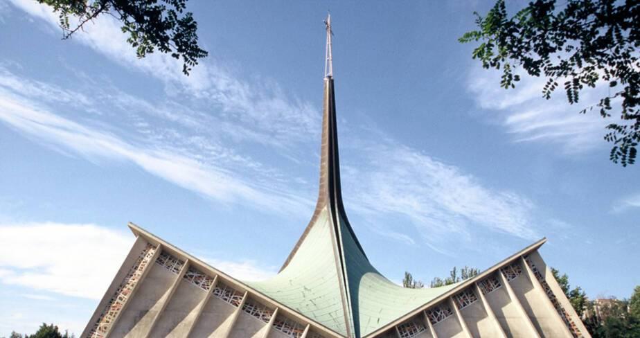 Saint-Joseph Travailleur - Avignon, Façade sud de l'église