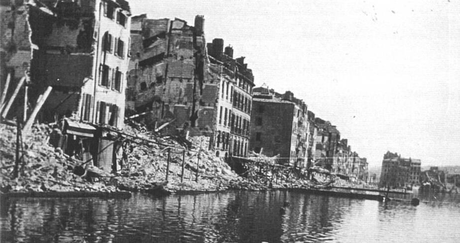 Le port détruit par les bombardements