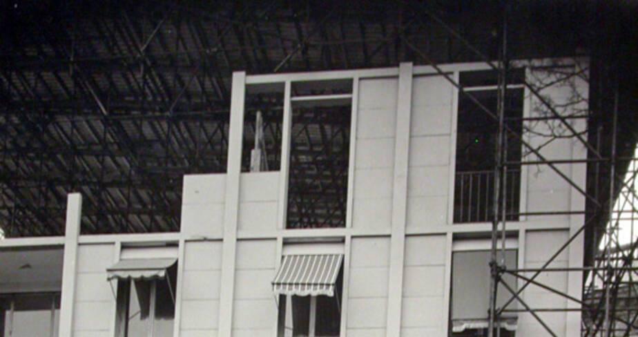Vue de la maquette, échelle 1, de l'Unité d'habitation de Toulon. Façade sud