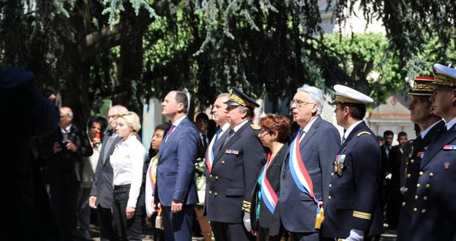 Cérémonie militaire en présence des autorités locales et des associations d'Anciens Combattants.