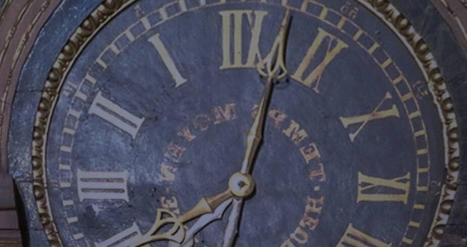 Cathédrale de Strasbourg. Horloge astronomique - Détail de la bâche décorative depuis l'intérieur du chantier : l'u des 7 cadrans