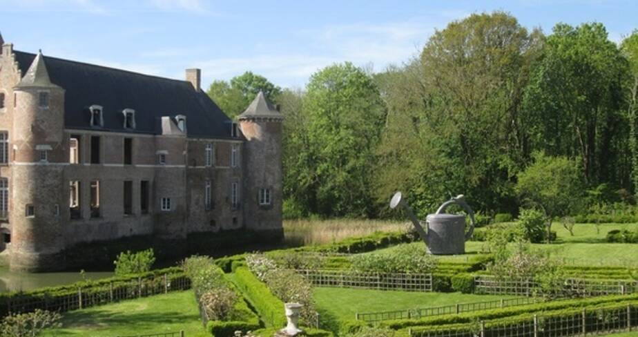 Vue du jardin à la française du Château