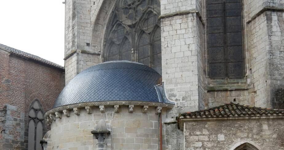 Couverture restaurée de la chapelle d'axe