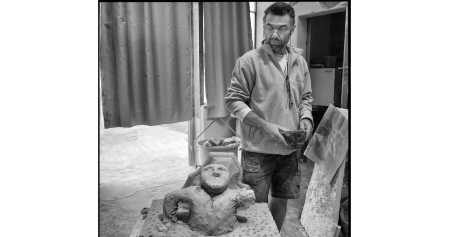 Modelage d'après dessin d'un personnage à sculpter