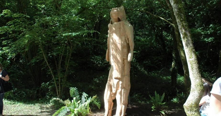 Abraham Poincheval enfermé dans L'Homme Lion