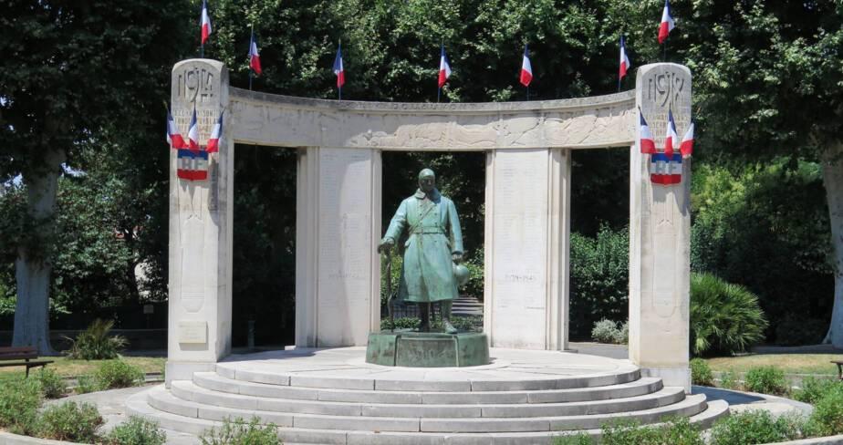 Monument aux morts de Pézenas (34)