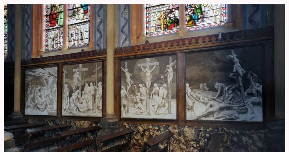 Vue du bas-côté sud : quatre stations du chemin de croix - Eglise de Valsonne