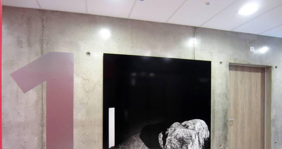 Le cailloux - 1% artistique Oeuvre de Karim Kal pour l' internat du Lycée Lumière à Lyon - étage 1