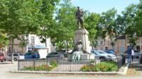 Monument aux morts de Valence d'Agen (82)
