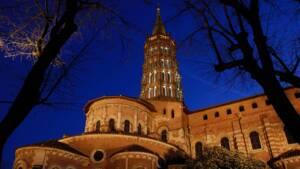 Basilique Saint Sernin, chevet dans le soir