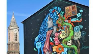 Fresque de la street artiste Kinmx au festival Murs Murs, à Decazeville (Aveyron) © Stéphane Thébault / Only France
