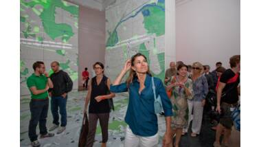 Aurélie Filippetti visite le pavillon français de la biennale de Venise