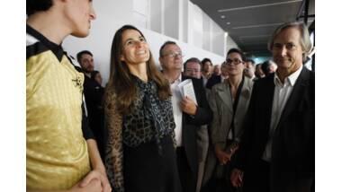 Aurélie Filippetti inaugure l'exposition des AJAP 2012