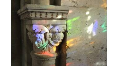 Cathédrale Saint-Jean-Baptiste Lyon : Abside, chapiteau d'une lancette