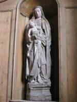 Vierge à l'Enfant, XVIe siècle, bois polychrome.