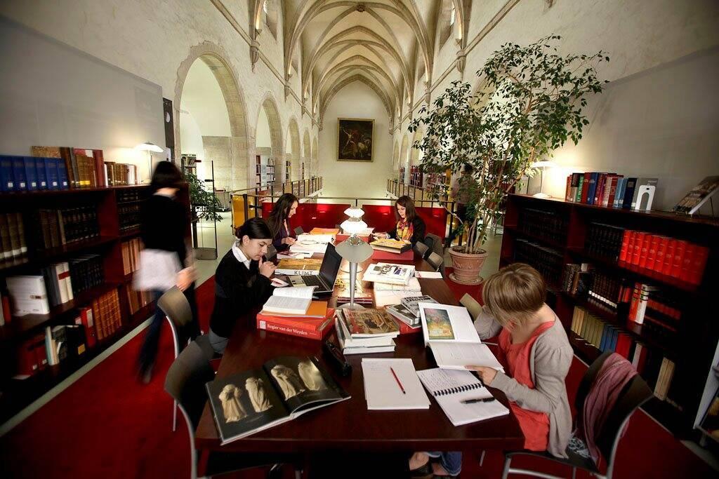 Dijon, musée des beaux-arts, salle de documentation / Cliché mis à disposition par le musée