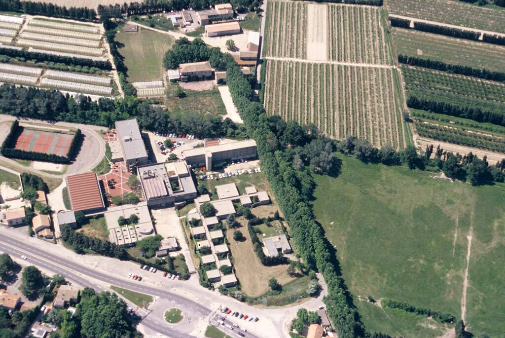 Lycée agricole François Pétrarque - Avignon, vue aérienne vers le sud