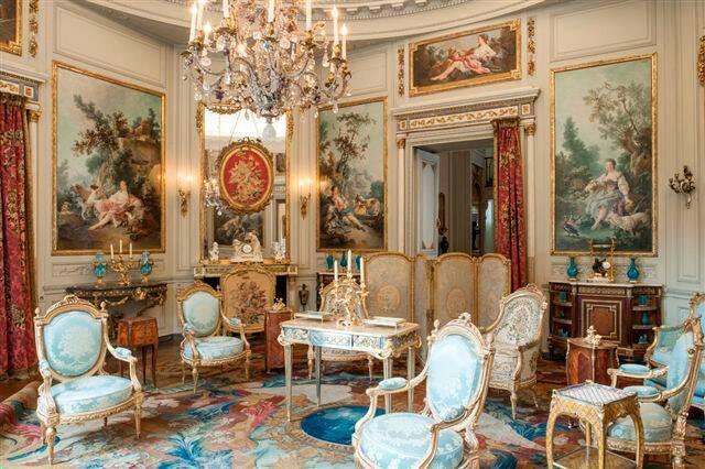 Le salon des Huet, vue actuelle vers la galerie du rez-de-chaussée haut. Musée Nissim de Camondo, 2013.      Phot. Les Arts Décoratifs, Paris, 2013. © Les Arts Décoratifs, Paris.