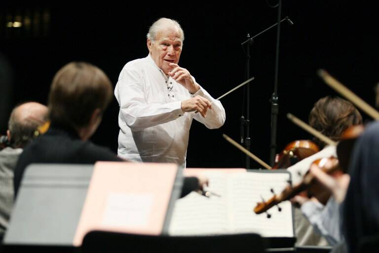Photo prise le 23 octobre 2007 du chef d'orchestre française Georges Pretre à l'Opéra Bastille à Paris.