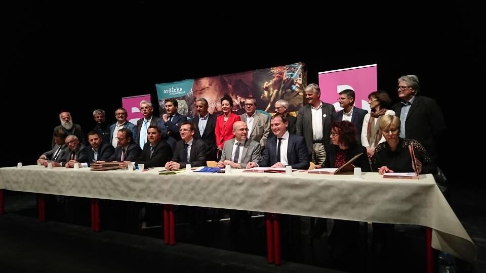 Signature convention d'éducation artistique et culturelle Ardèche