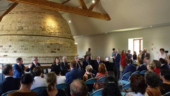 Signature convention EAC thiers dore et plaine Limagne - Musée de Lezoux