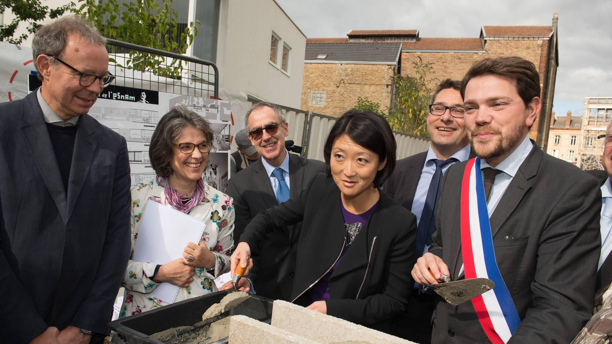 Pose de la première pierre de l'Ecole nationale supérieure de la marionnette de Charleville-Mézières