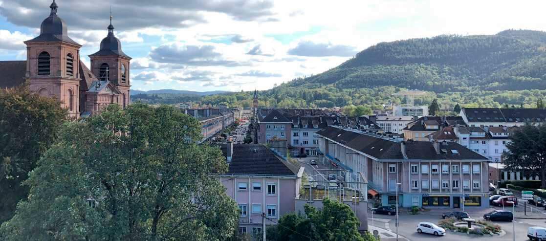 Saint-Dié. Cathédrale et le centre ville reconstruit