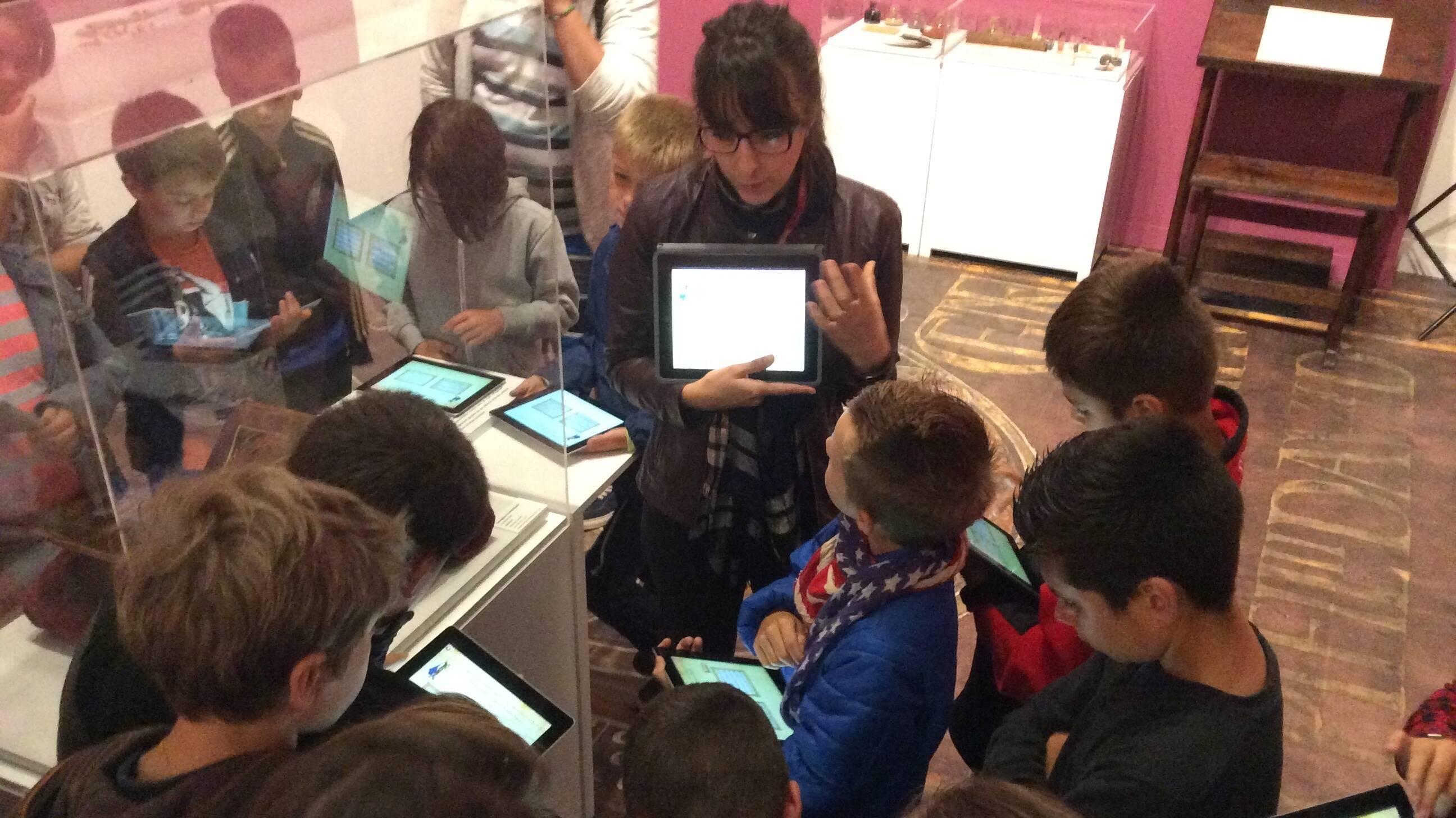 A l'abbaye royale de Saint-Riquier Baie de Somme - Visite de l'exposition avec iPads