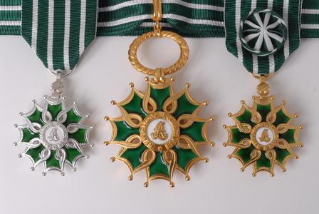 http://www.culturecommunication.gouv.fr/var/culture/storage/images/medailles02/502307-1-fre-FR/medailles02_imagelarge.jpg
