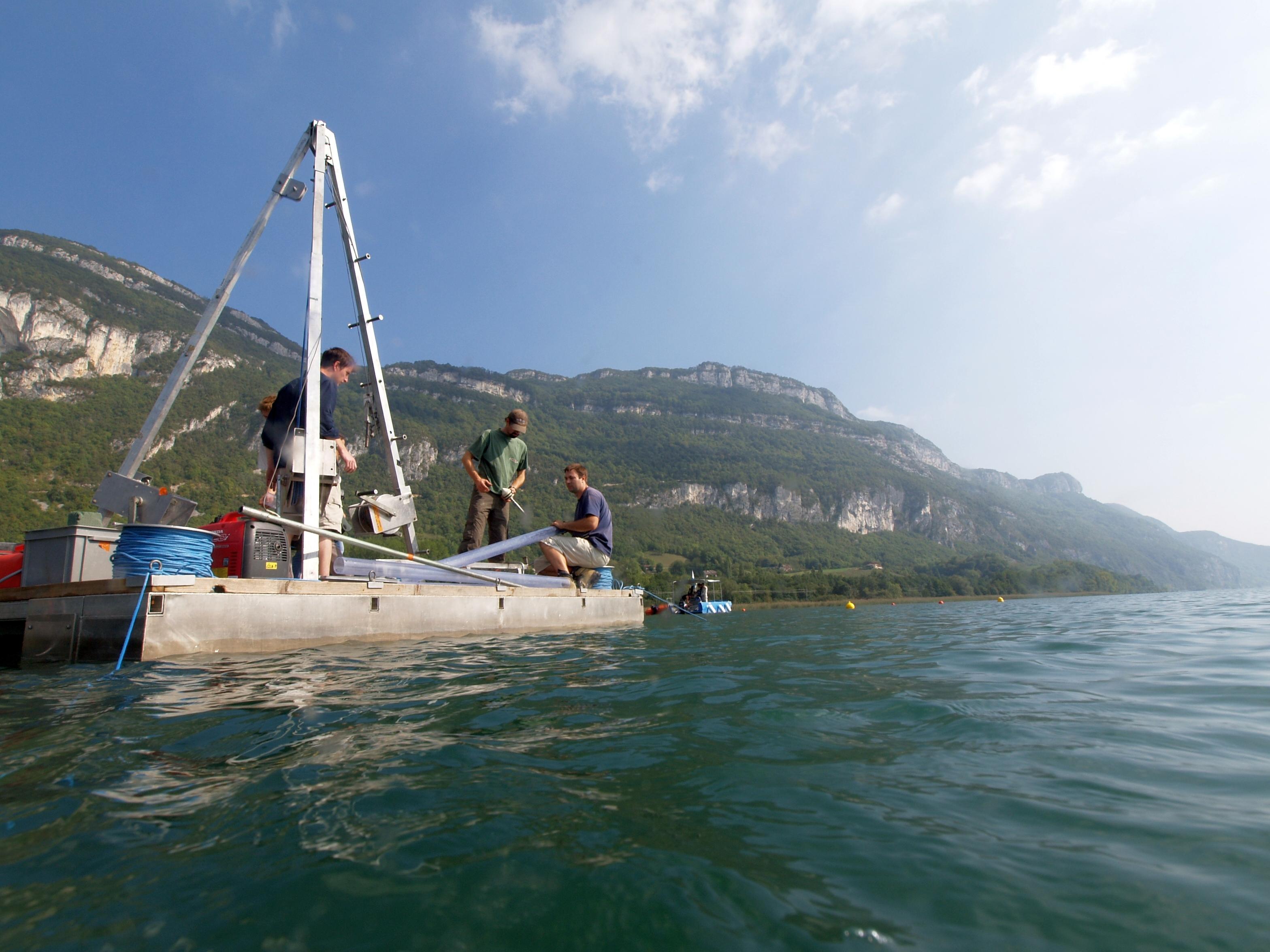 Carrottage sur le lac de Chatillon