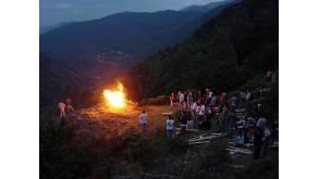 Les fêtes du feu du solstice d'été dans les Pyrénées
