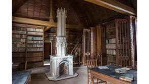 L'intérieur XIXe siècle de la bibliothèque du chapitre de la cathédrale de Bayeux