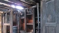 Meuble de sacristie après l'incendie