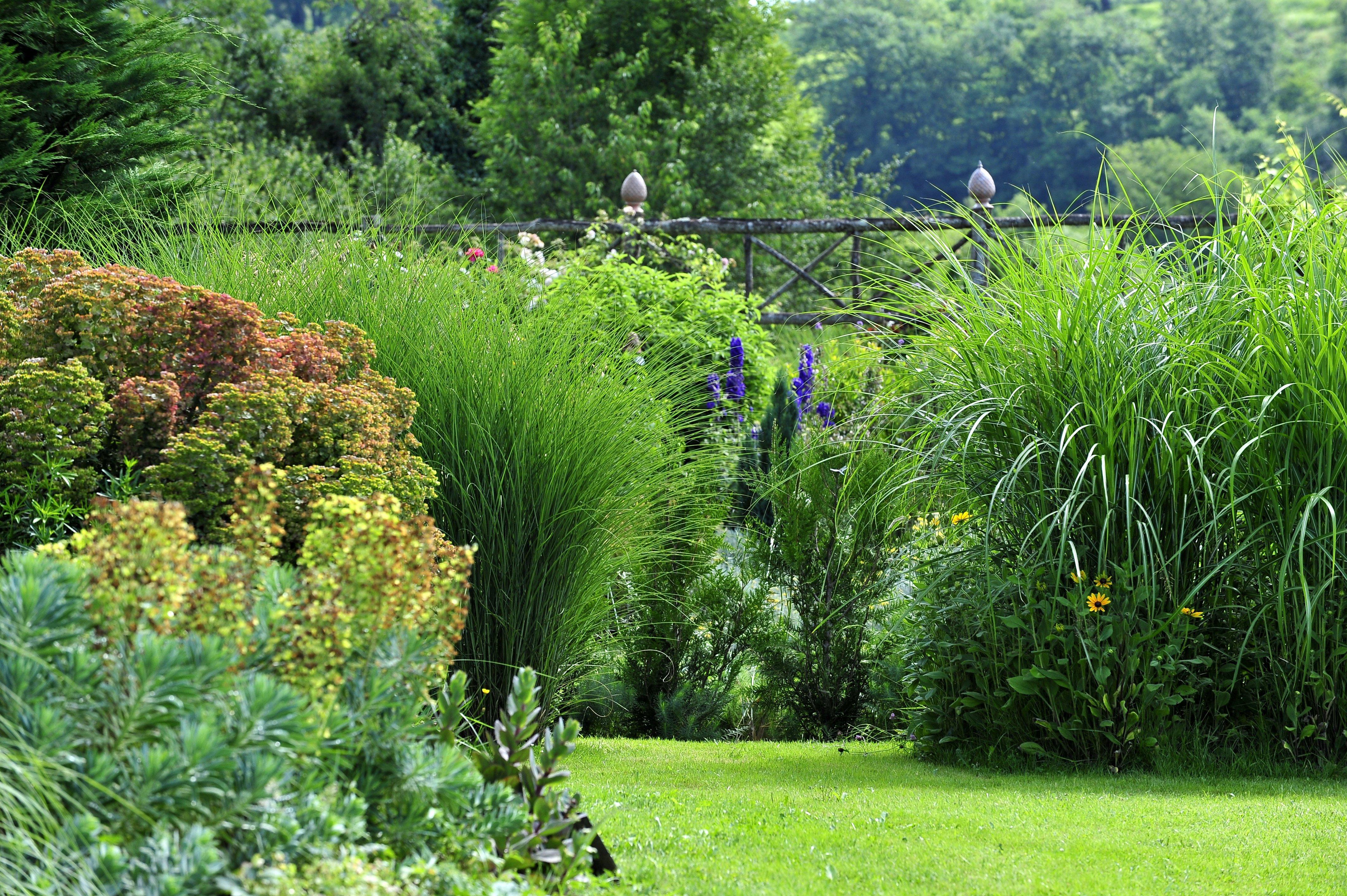 Jardin de la poterie hillen thermes magnoac hautes pyr n es minist re de la culture - Jardin d hiver de la berteliere ...