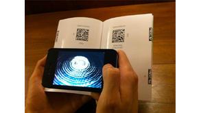 Une collection de carnets qui propose une exposition d\u0027art numérique  accessible sur téléphone mobile via la technologie du QR code.