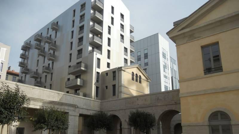Lyon reconversion ancienne prison Saint-Joseph galeries et logement