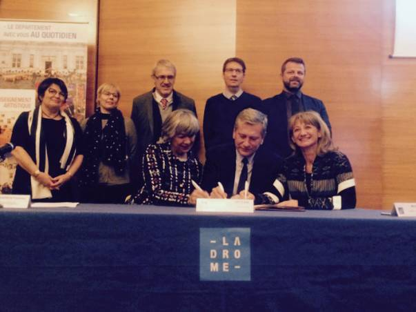 Signature de la convention EAC Drôme