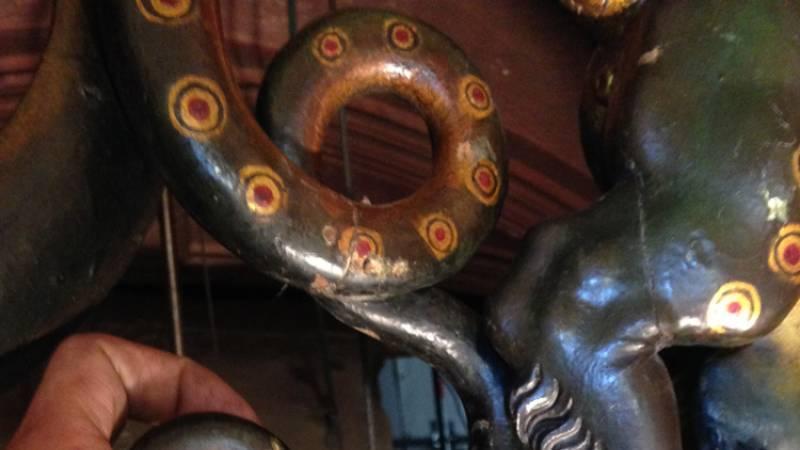 Cathédrale de Strasbourg. Horloge astronomique. Sculpture en bois, dtéail du char de Saturne