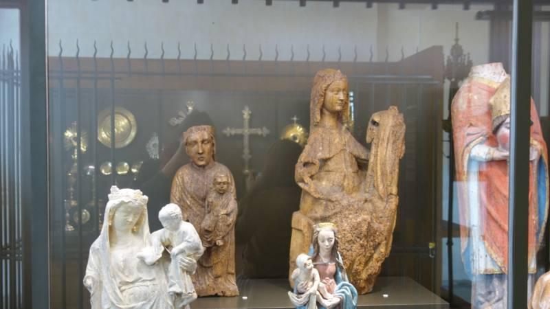 Eglise de Dienville - Vitrine sculpture, détail
