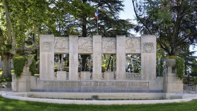 Monument aux morts d'Alès (30)