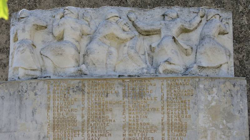 Monument aux morts de Ouveillan (11)