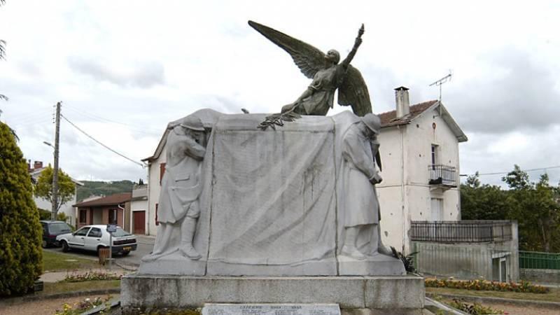 Monument aux morts de Pamiers (09)
