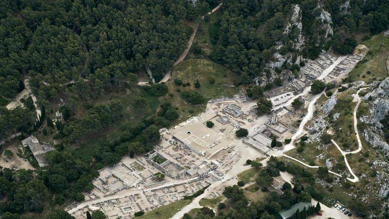 Vue aérienne du site de Glanum