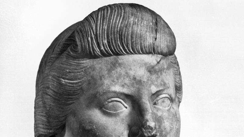Tête de Julie en marbre.