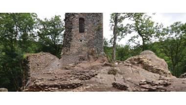 Le castrum de Roquefort la Montagne Noire à Sorèze dans le Tarn  XIe - XVe siècles